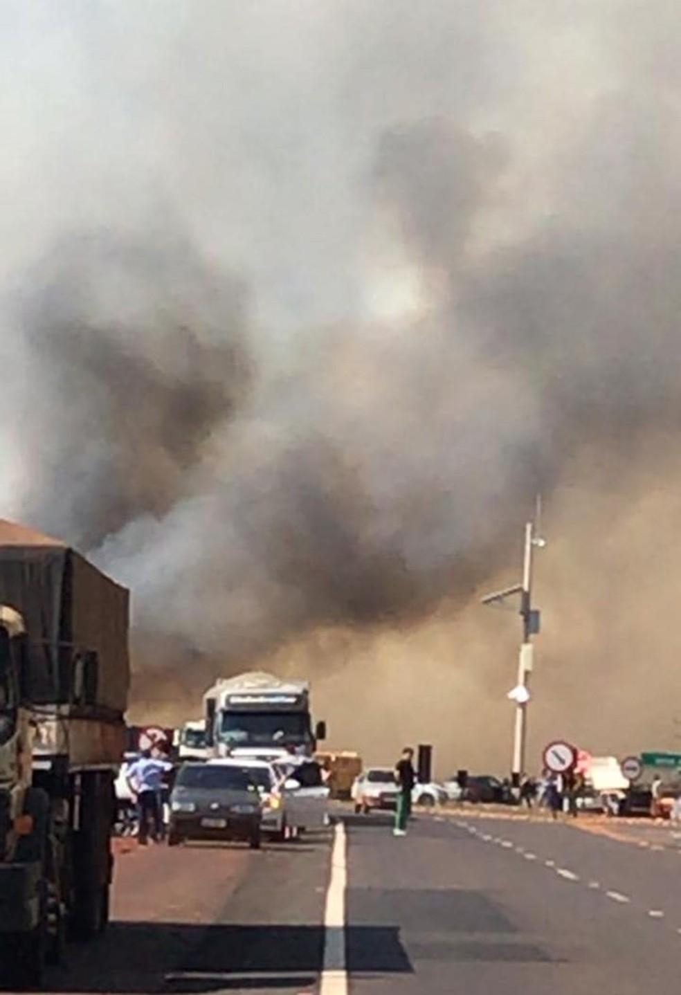 Trânsito ficou lento na via em Florínea  — Foto: Gazeta Regional/ Divulgação