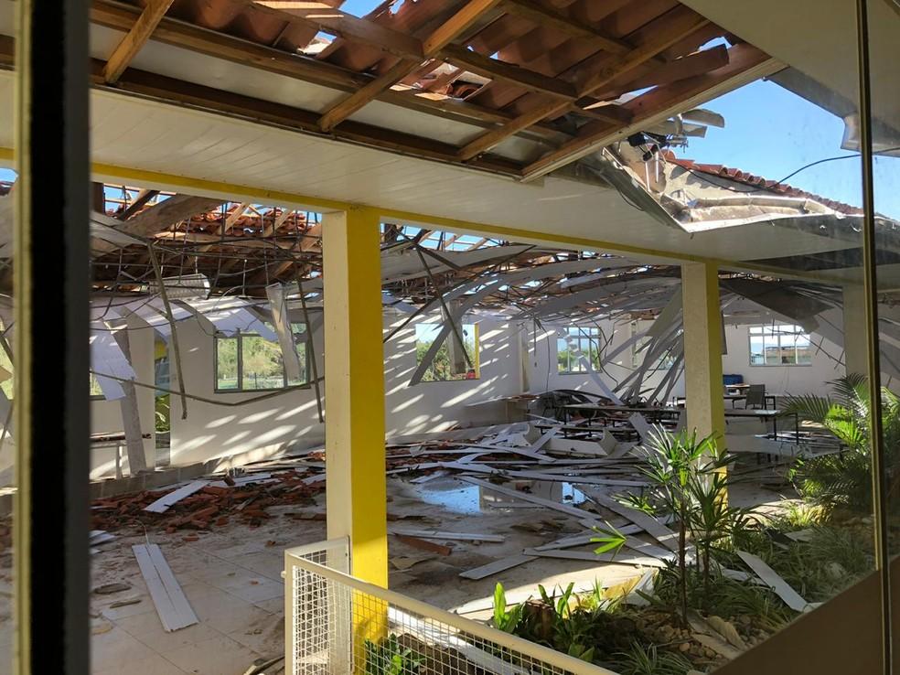 Pelo menos seis escolas foram interditadas em Governador Celso Ramos após o ciclone — Foto: Prefeitura de Governador Celso Ramos/Divulgação