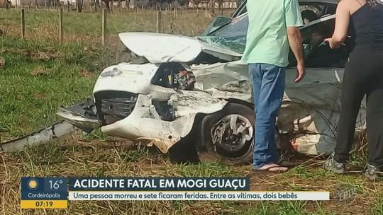 Carros batem de frente e mulher morre na Rodovia SP-342, em Mogi Guaçu; ocupantes ficaram feridos