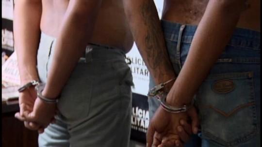 Após troca de tiros com a polícia, trio é preso em Divinópolis por roubo