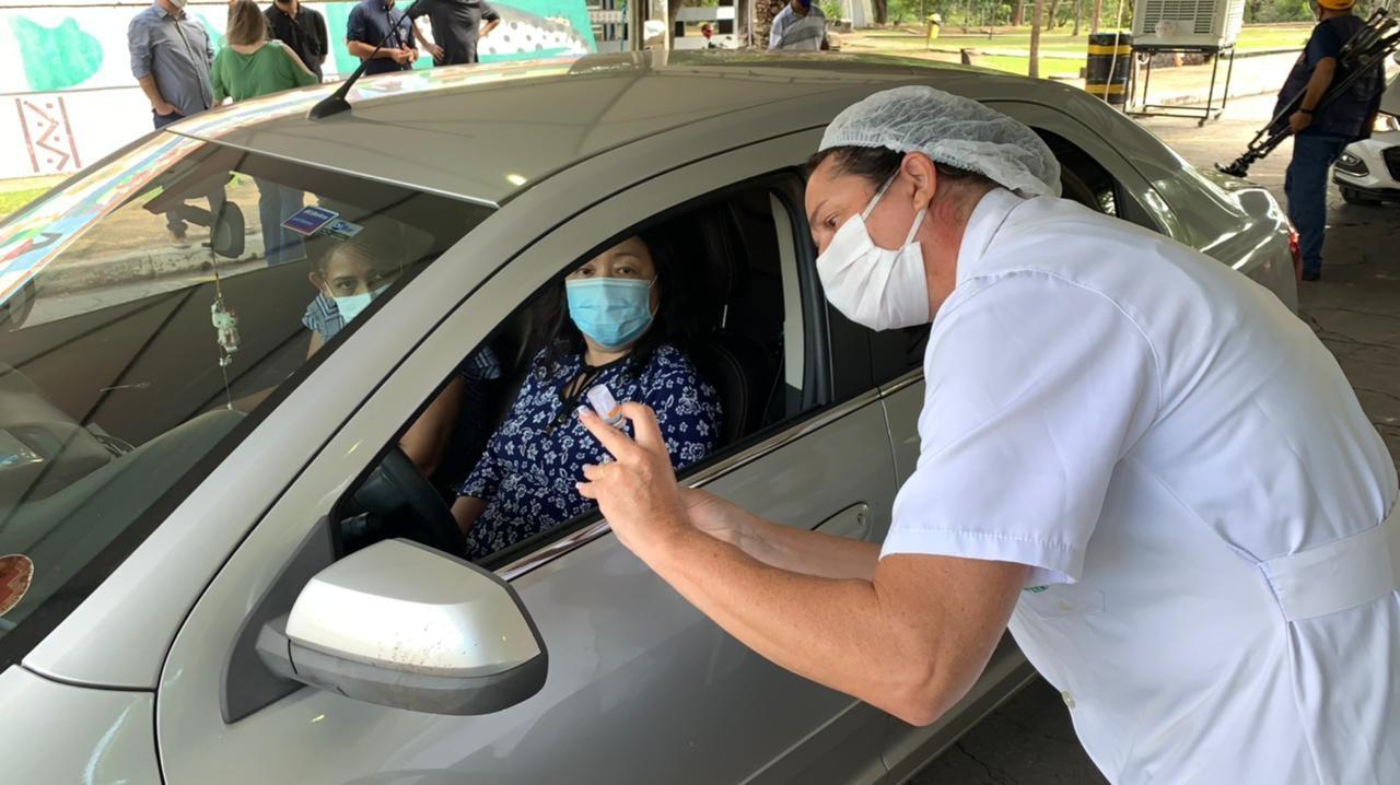 Vacinação é aplicada em sistema de rodízio em 3 polos neste sábado em Cuiabá