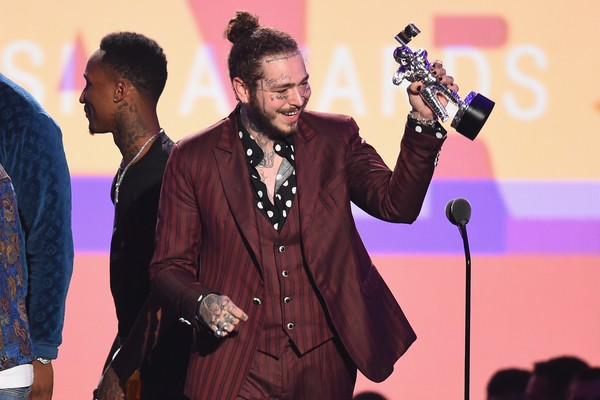 Post Malone ganha o VMA 2018 de Música do Ano (Foto: Getty)