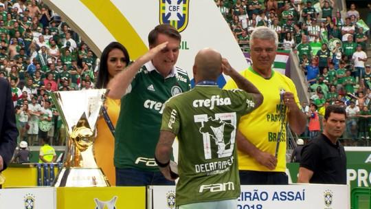 """Tite diz que não encontraria com Bolsonaro para celebrar título: """"Minha atividade não se mistura"""""""