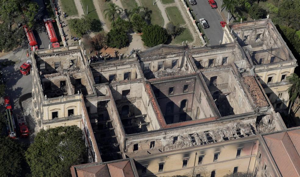 Vista aérea do Museu Nacional após incêndio — Foto: Reuters/Ricardo Moraes
