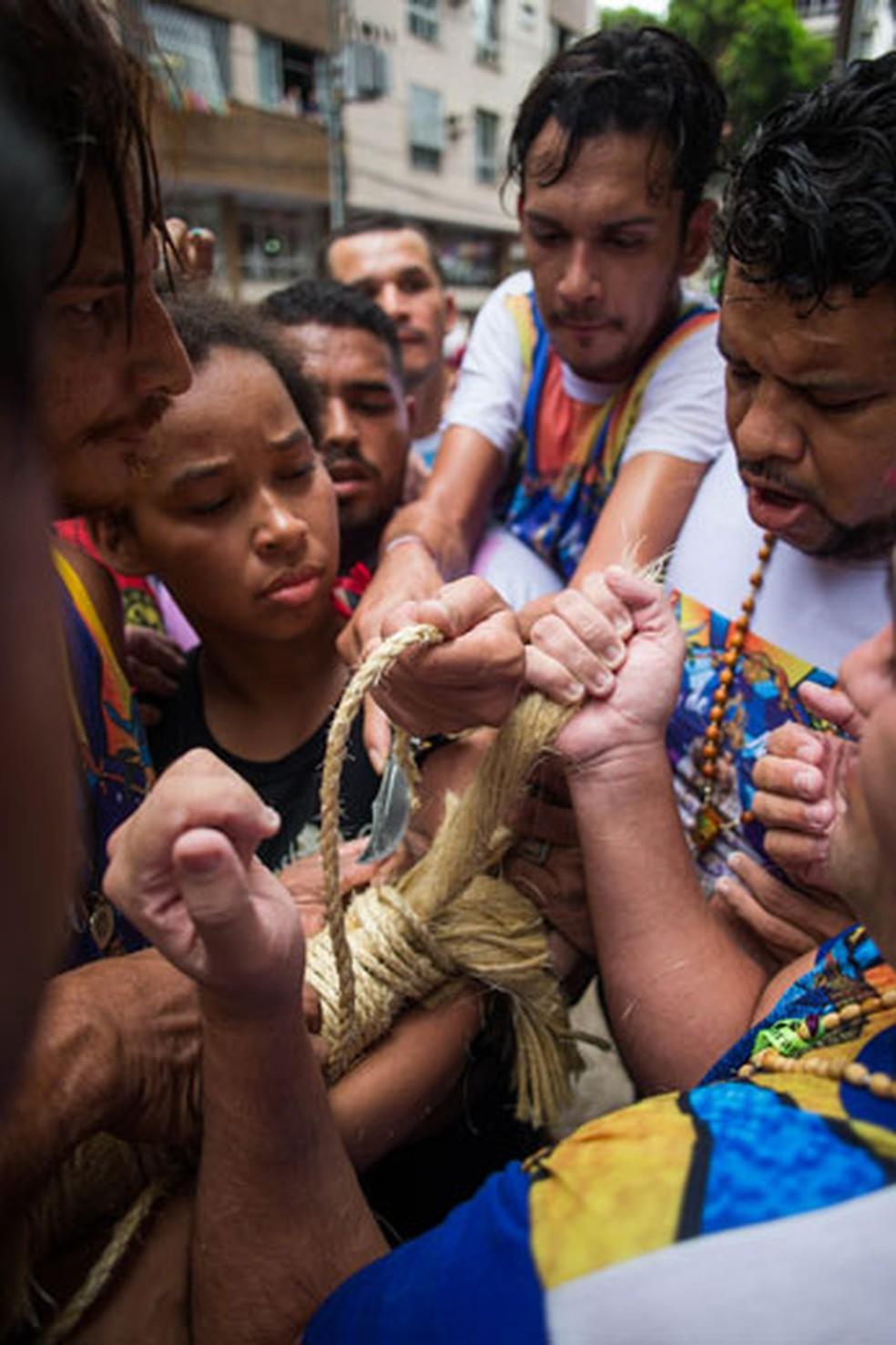 Fiéis durante a procissão de domingo do Círio de Nazaré — Foto: Tiago Queiroz/Estadão Conteúdo