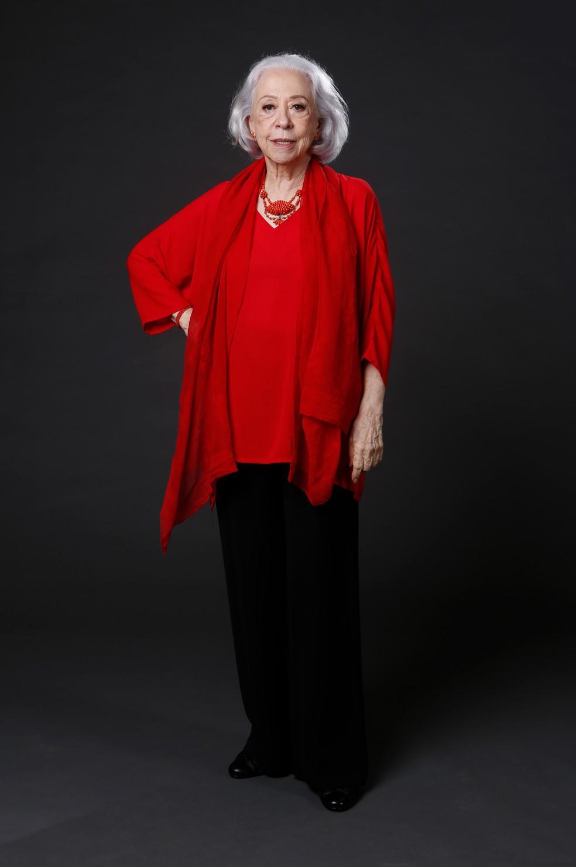 Fernanda Montenegro usa vermelho para trazer sorte para Dulce, sua nova personagem em 'A Dona do Pedaço' — Foto: Fabiano Battaglin/Gshow