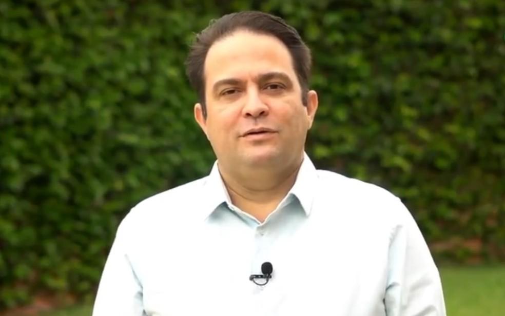 Roberto Naves - foto tirada durante a campanha eleitoral — Foto: Reprodução/Facebook