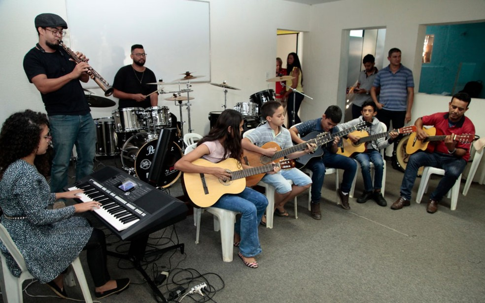 Escola Municipal de Artes Núcleo de Música, em Aparecida de Goiânia, está com inscrições abertas — Foto: Reprodução/Ênio Medeiros