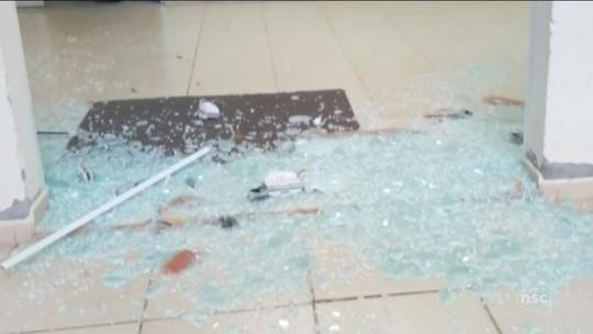 PM suspeita que tiros em delegacia e em base policial sejam represália a morte de suspeito