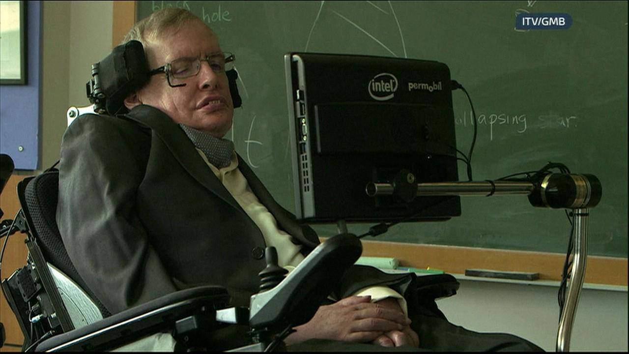 Físico Stephen Hawking critica Trump em entrevista a TV britânica