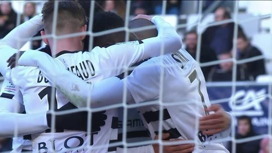 Os gols de Bordeaux 0 x 2 Rennes pela 30ª rodada do Campeonato Francês