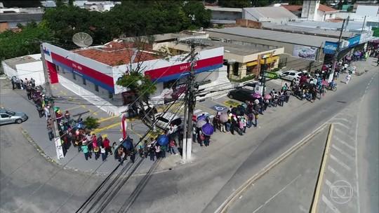 Feirão de emprego atrai centenas de pessoas em Maceió