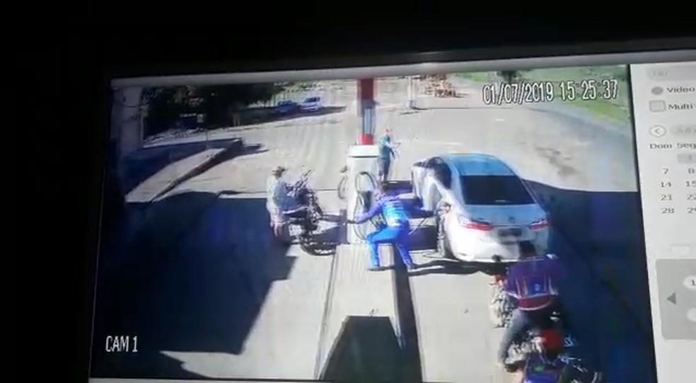 Motorista é alvejado ao abastecer carro em Igarapé Grande — Foto: Divulgação/Polícia Civil