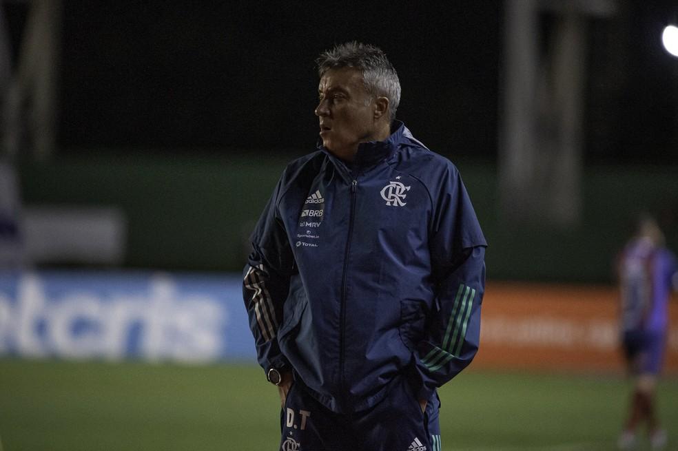 Depois de Thuler, Domènec testa positivo para Covid-19 e aumenta casos no Flamengo