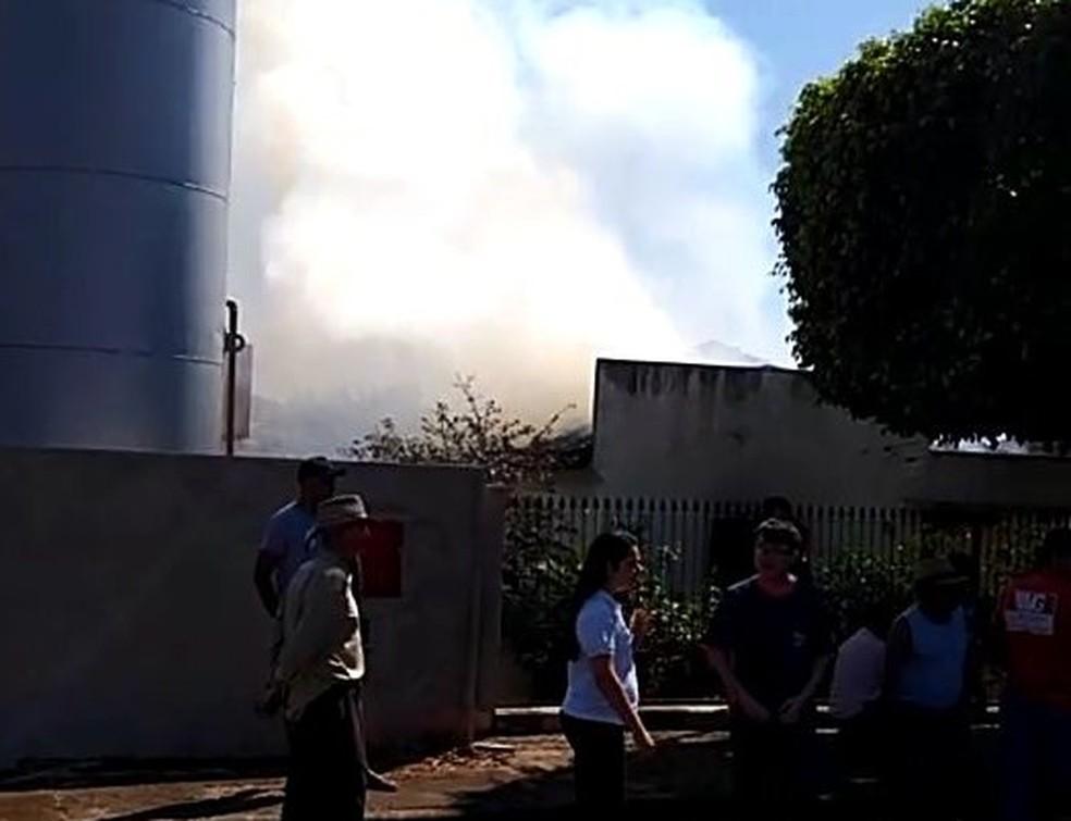 Incêndio foi registrado na Vila Formosa em Tupã (Foto: Wilson Serra/Arquivo Pessoal)