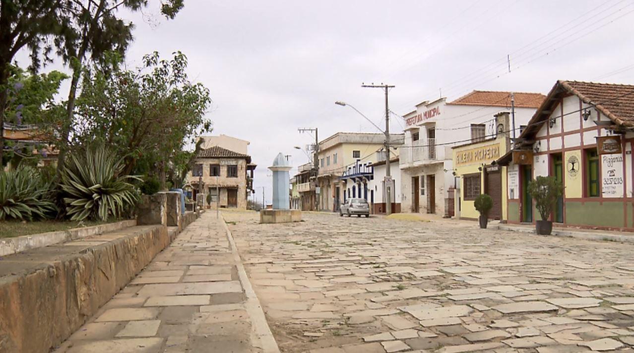 Novo decreto libera pontos turísticos, campings e hostels em São Tomé das Letras, MG