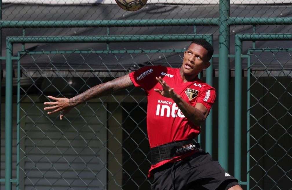 Rodrigo Freitas terminou empréstimo com o Portimonense e terá futuro decidido no São Paulo — Foto: Rubens Chiri / saopaulofc.net