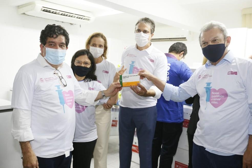 Vacina Coronavac no Ceará — Foto: Kid Júnior