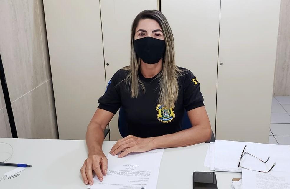 A comissária especial Eva Moura detalhou a ocorrência — Foto: Ana Clara Marinho/ TV Globo