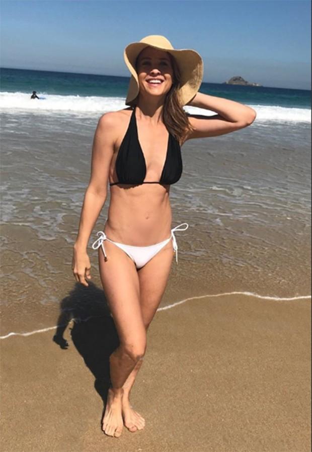 Luiza Valdetaro na praia de São Conrado (Foto: Reprodução/Instagram)