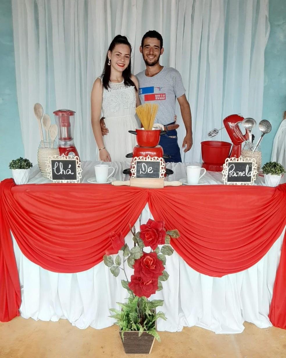 Fernando e a esposa, Letícia Correia Schweigert.   — Foto: Arquivo pessoal