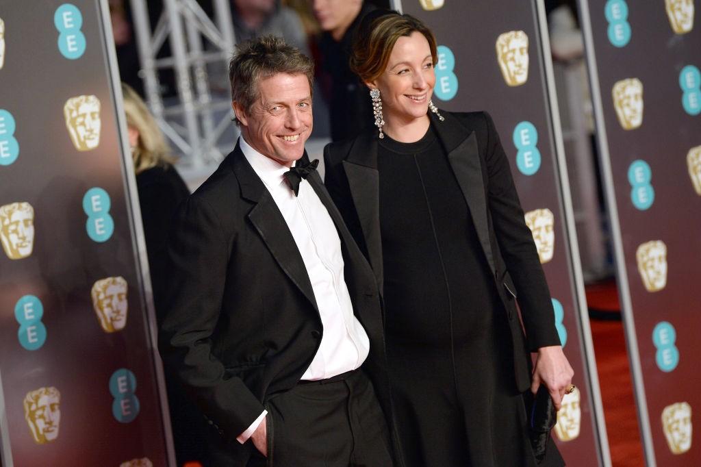 Hugh Grant com a esposa Anna Eberstein (Foto: Getty Images)