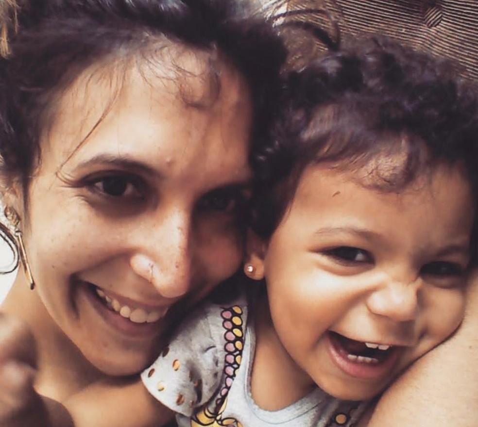 Marina com a filha Malu, de quatro anos. (Foto: Arquivo Pessoal/ Marina Mendes)
