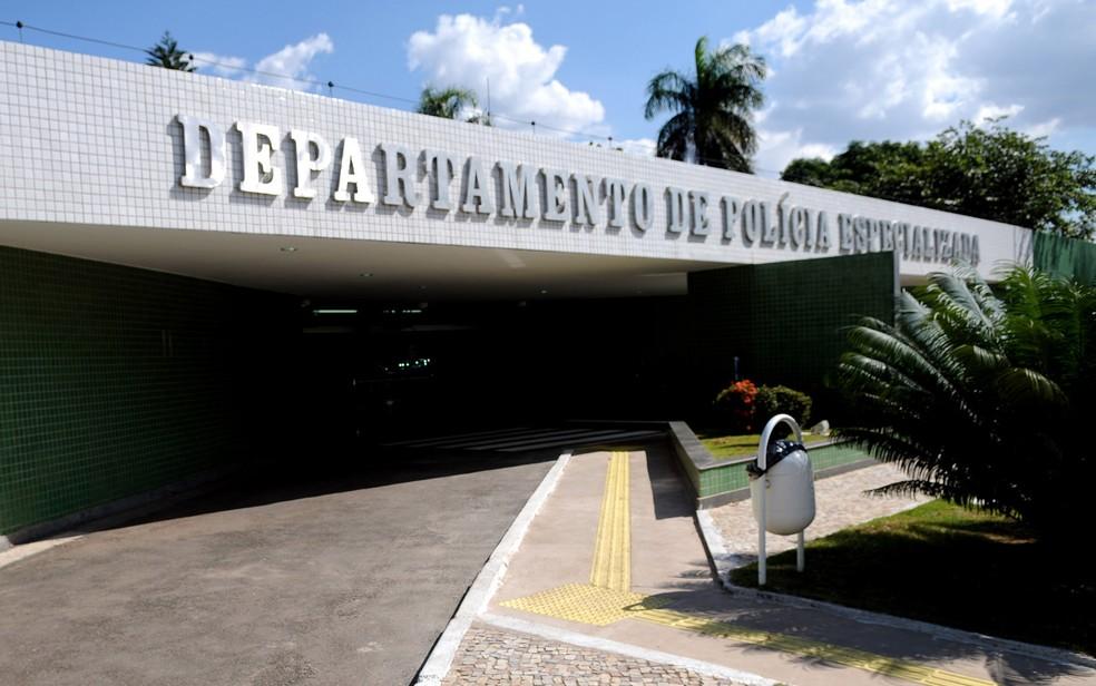 Fachada do Departamento de Polícia Especializada (DPE) do Distrito Federal — Foto: Dênio Simões/Agência Brasília