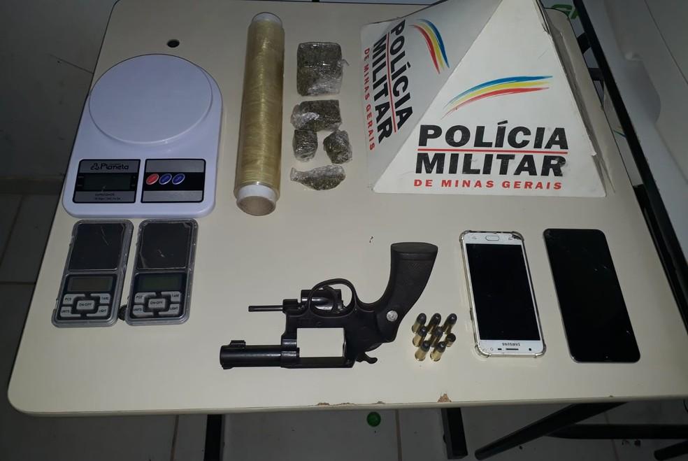 Materiais apreendidos pela PM — Foto: Polícia Militar / Divulgação