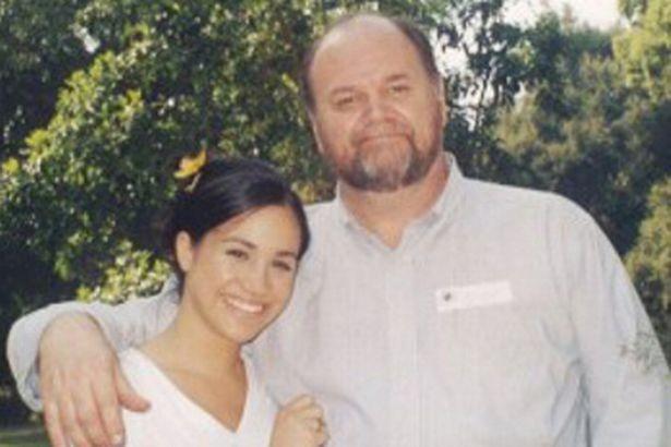 A atriz Meghan Markle com o pai (Foto: Reprodução)