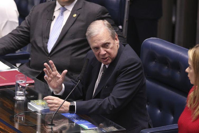O relator da reforma no Senado, Tasso Jereissati, em reunião da CCJ (Foto: Agência Brasil)