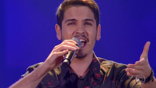 Apesar de empolgar o público, gaúcho de Rio Grande não avança no 'The Voice Brasil'