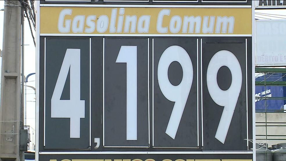Gasolina é vendida a R$ 4,19 na Lagoa da Jansen, em São Luís. (Foto: Reprodução/TV Mirante)