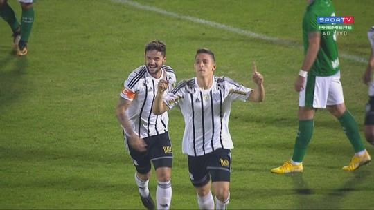 """Improvisado na lateral, Trevisan marca 1º gol no profissional e ganha elogio: """"Um talento"""""""