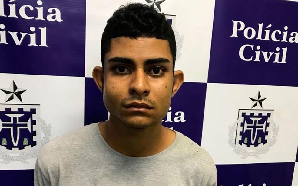 Irmão do soldado foi preso por integrar quadrilha de roubo de cargas (Foto: Divulgação/Polícia Civil)