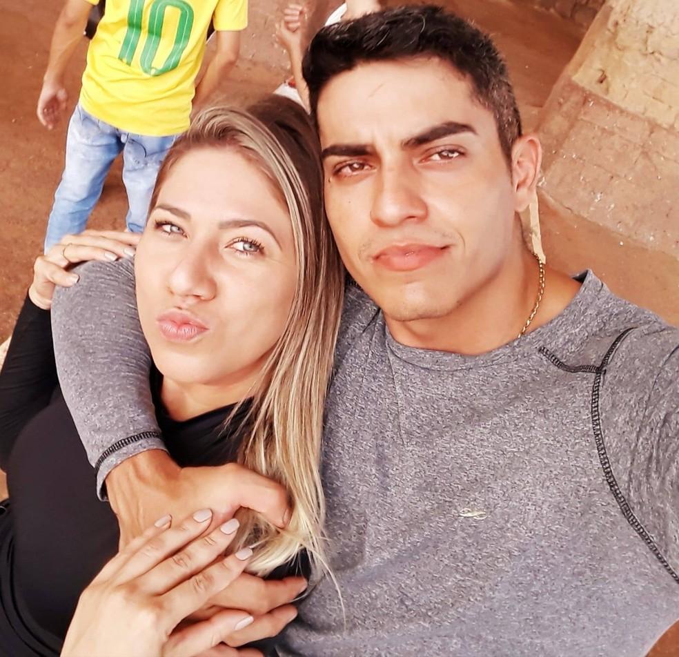 Cissa Amaral Guerreiro Andrade e Sebastião Faria sofreram acidente de moto em Pontes e Lacerda (MT) — Foto: Facebook/Reprodução