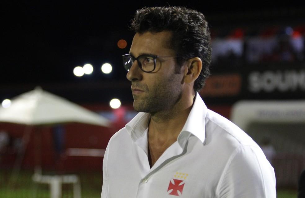 Alberto Valentim perdeu os quatro jogos à frente do Vasco (Foto: Carlos Gregório Jr./Vasco)