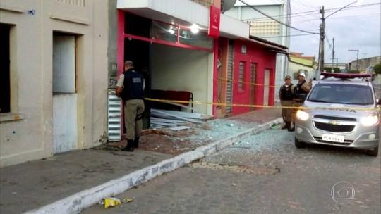 Bandidos explodem caixas eletrônicos na Zona da Mata de Pernambuco