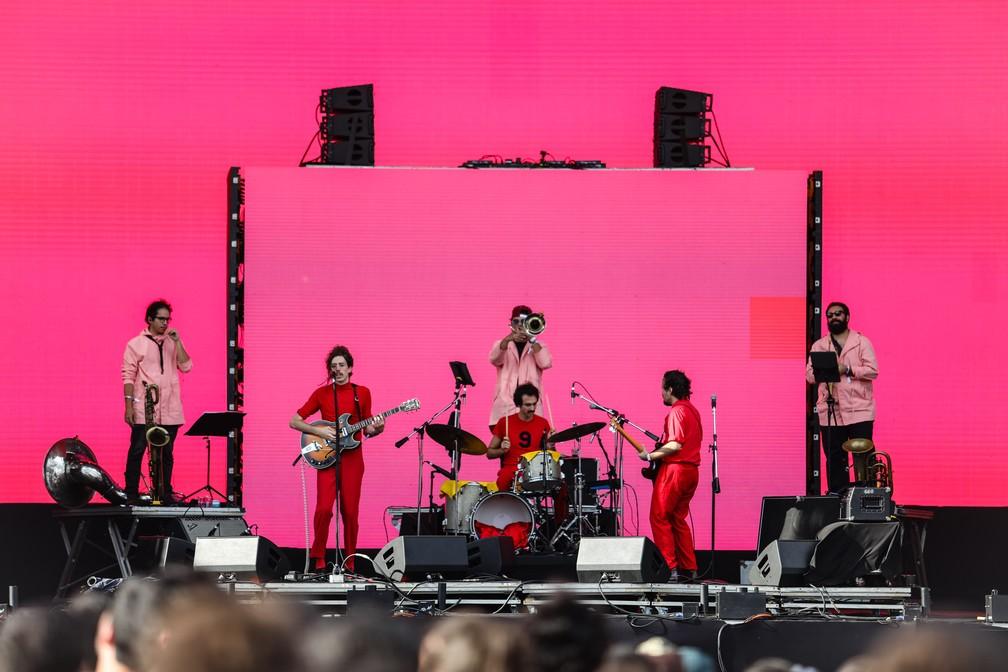 O Terno se apresenta no Lollapalooza 2018 (Foto: Fabio Tito/G1)