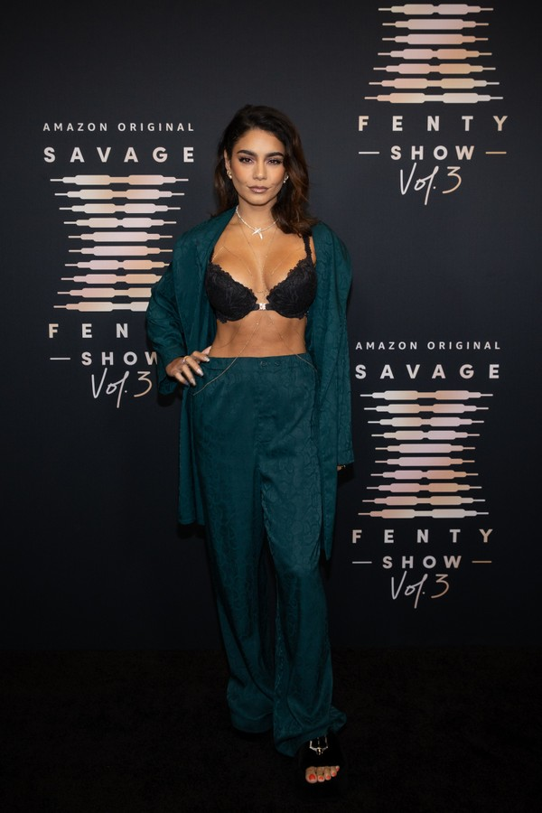 LOS ANGELES, CALIFORNIA - SEPTEMBER 22: In this image released on September 22, Vanessa Hudgens attends Rihanna's Savage X Fenty Show Vol. 3 presented by Amazon Prime Video at The Westin Bonaventure Hotel & Suites in Los Angeles, California; and broadcast (Foto: Getty Images for Rihanna's Savag)