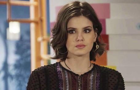 Na terça-feira (28), Vanessa (Camila Queiroz) aceitará participar do plano de Jerônimo (Jesuíta Barbosa) para separar Quinzinho (Caio Paduan) de Dandara (Dandara Mariana) TV Globo