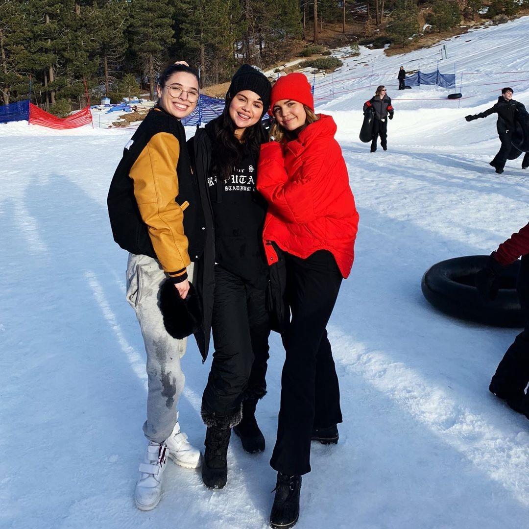 Selena Gomez e amigos (Foto: Reprodução / Instagram)