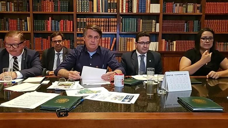 Live do presidente Jair Bolsonaro (Foto: Facebook/Reprodução)