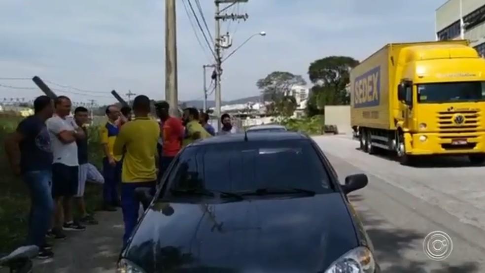 Trabalhadores dos Correios entram em greve em Jundiaí — Foto: Reprodução/TV TEM