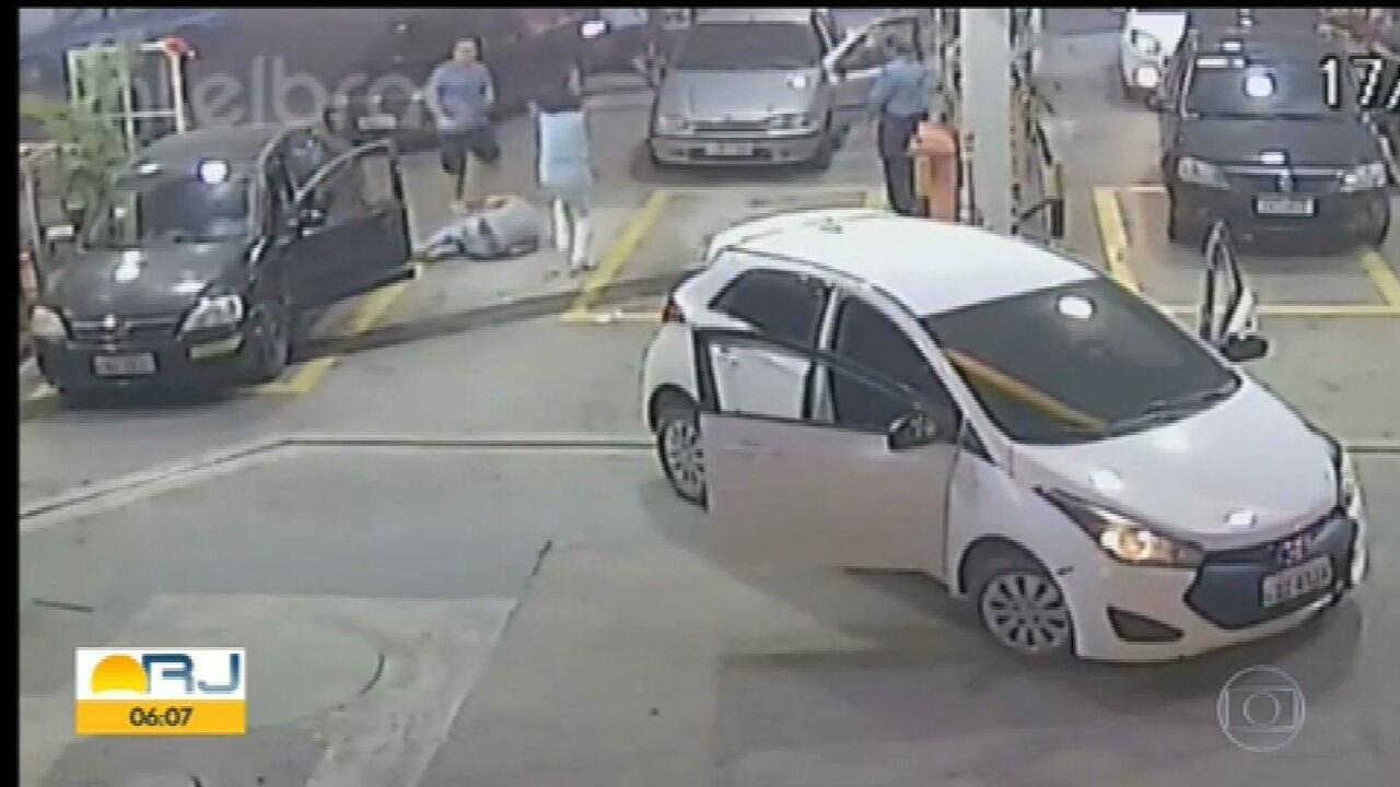 Câmeras de segurança mostram motorista de aplicativo sendo baleado em Niterói