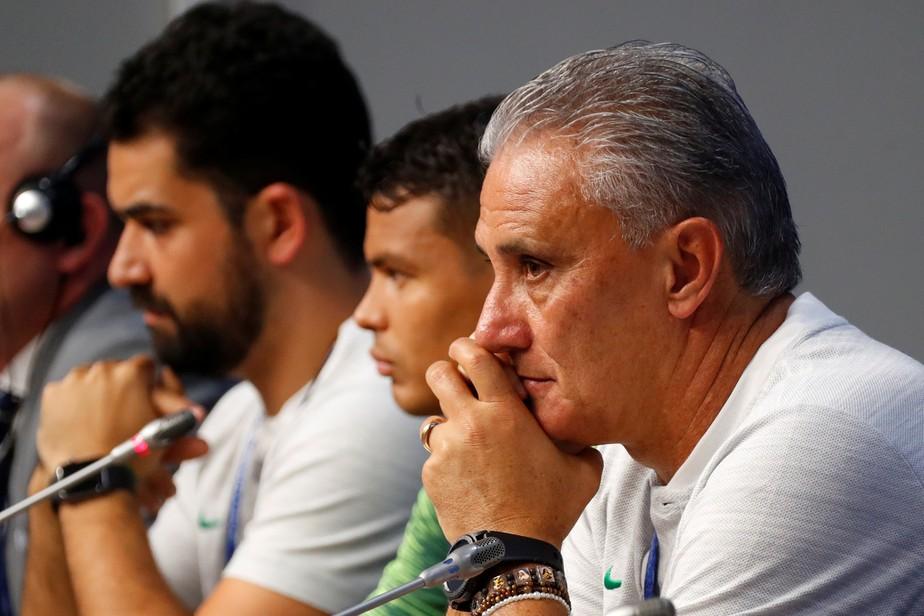 Tite celebra retomada de Neymar, explica laterais e prepara Seleção para o calor