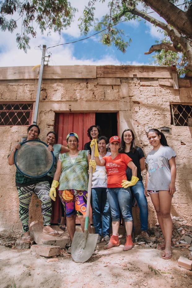 Carina Guedes, a segunda da direita para a esquerda (Foto: Bruna Brandão / Editora Globo)