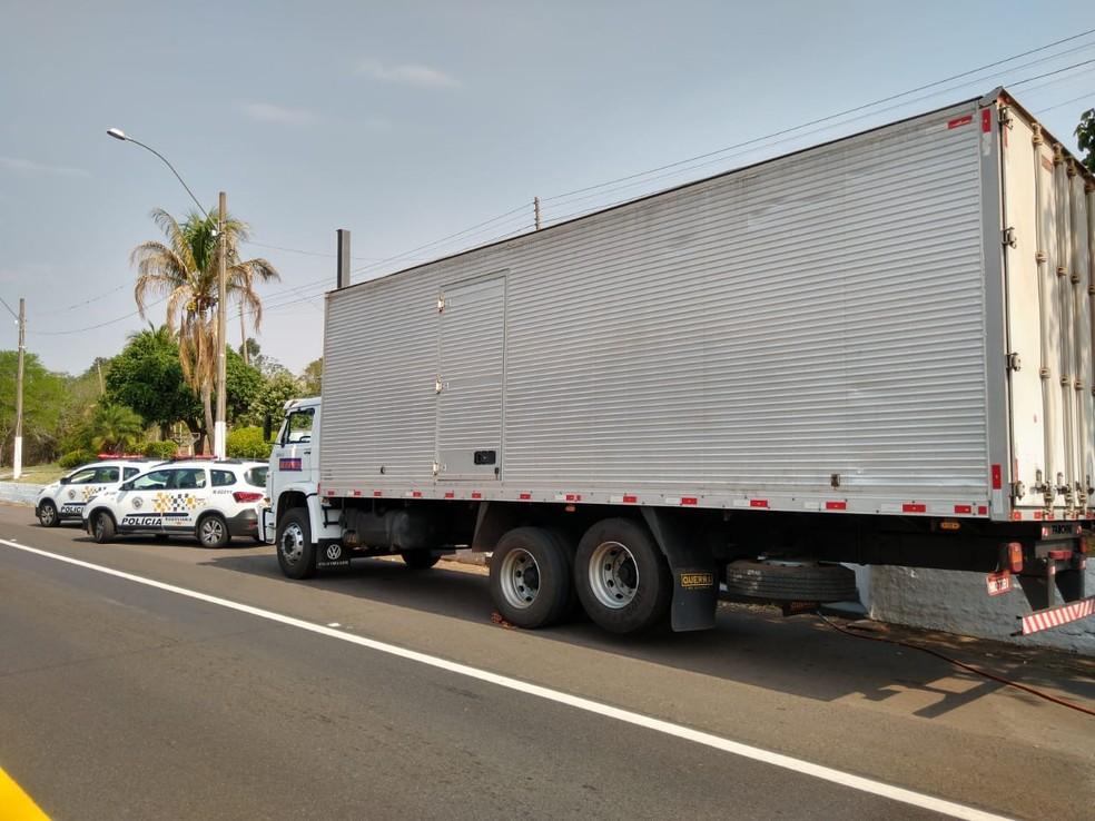 Mais de 200 quilos de droga foram apreendidos pela polícia — Foto: Polícia Rodoviária