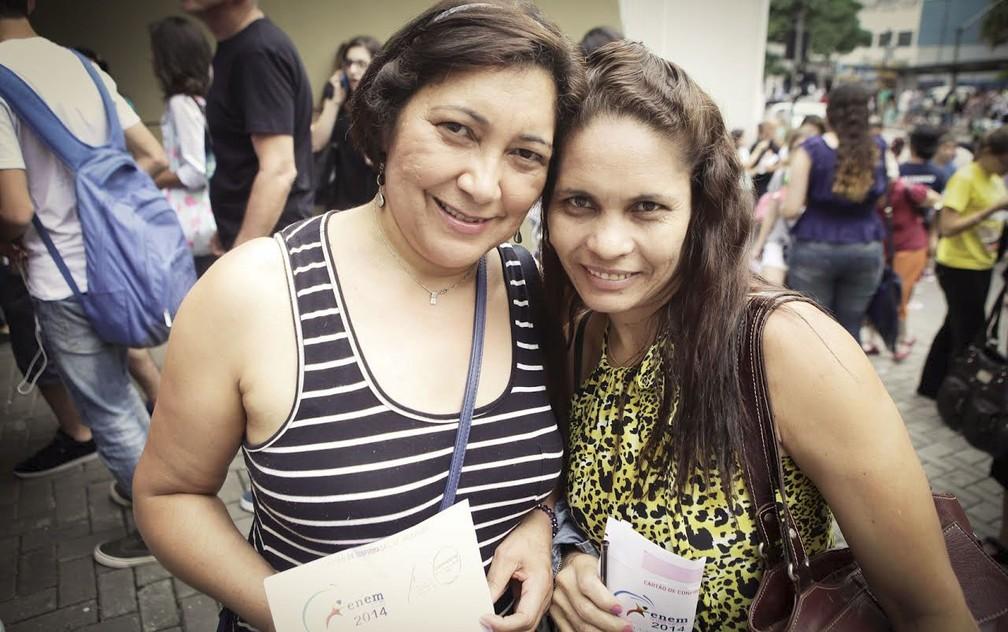 Em 2014, Maria das Neves e a cozinheira Maria de Lurde fizeram o Enem juntas no Centro de São Paulo — Foto: Caio Kenji/G1
