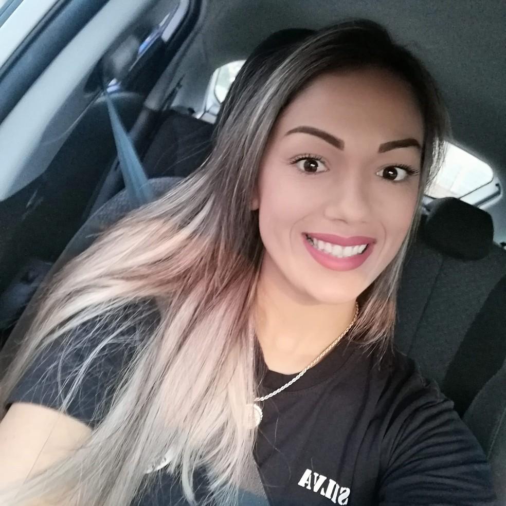 Keitiane trabalhava como vendedora em uma concessionária de veículos — Foto: Facebook/Reprodução